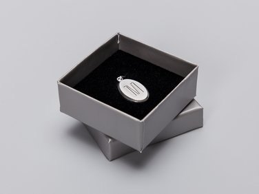 Medailonek stříbrný